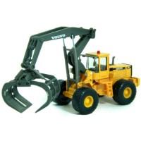 VOLVO Wheel-Excavator, yellow