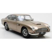 ASTON MARTIN  DB6, 1964, gold
