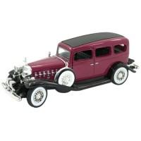 CADILLAC 4-door Sedan, 1932, brown